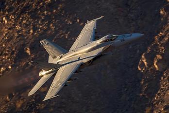 166822 - USA - Navy Boeing F/A-18E Super Hornet