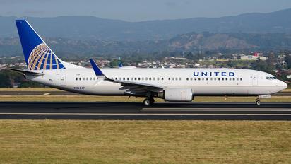 N36247 - United Airlines Boeing 737-800