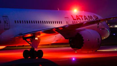 CC-BGC - LATAM Boeing 787-9 Dreamliner