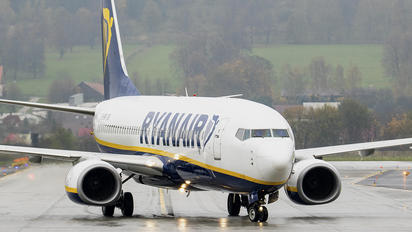 EI-EMR - Ryanair Boeing 737-8AS