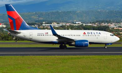 N302DQ - Delta Air Lines Boeing 737-700