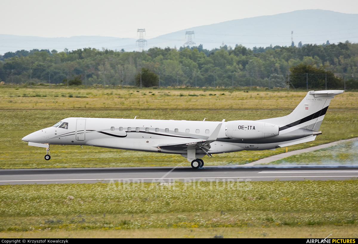 Avcon Jet OE-ITA aircraft at Vienna - Schwechat