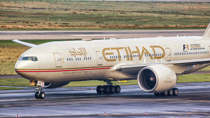 A6-LRC - Etihad Airways Boeing 777-200LR
