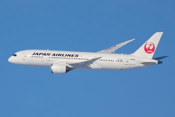 JA826J - JAL - Japan Airlines Boeing 787-8 Dreamliner