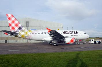 G-EZMH - Volotea Airlines Airbus A319
