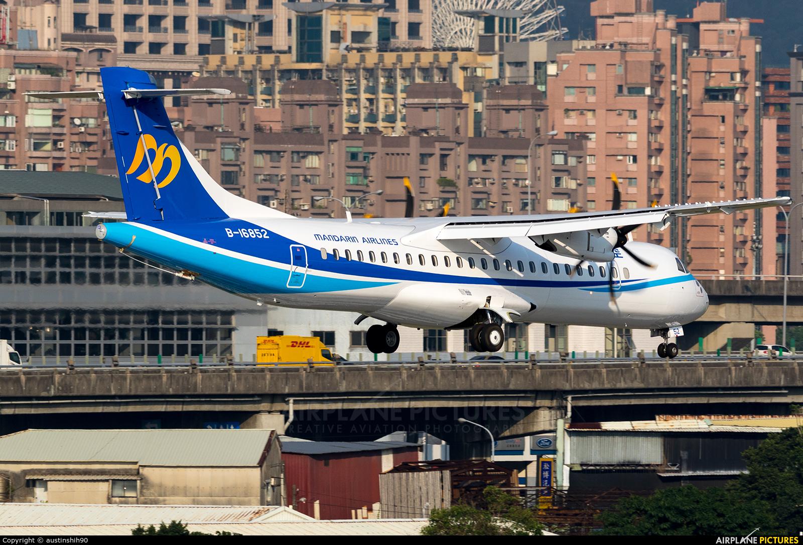 Mandarin Airlines B-16852 aircraft at Taipei Sung Shan/Songshan Airport