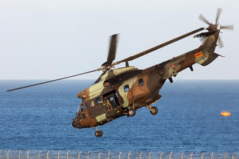 HU.21-20 - Spain - FAMET Aerospatiale AS332 Super Puma