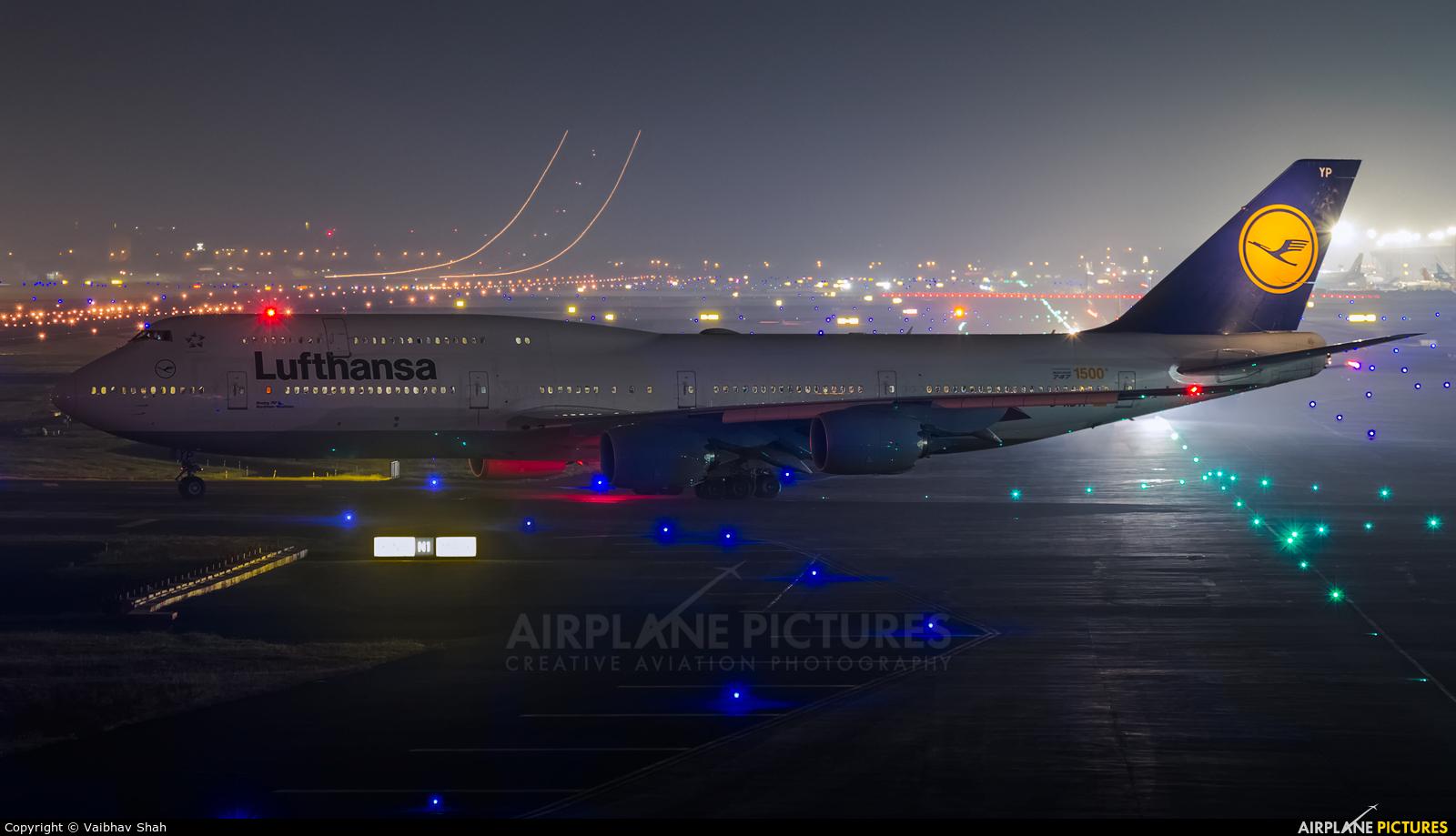 Lufthansa D-ABYP aircraft at Mumbai - Chhatrapati Shivaji Intl
