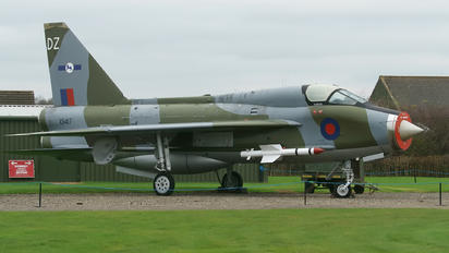 XS417 - Royal Air Force English Electric Lightning T.5