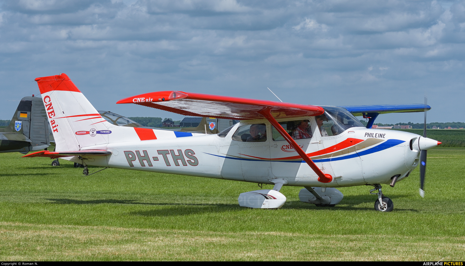 CNE-Air PH-THS aircraft at Oostwold