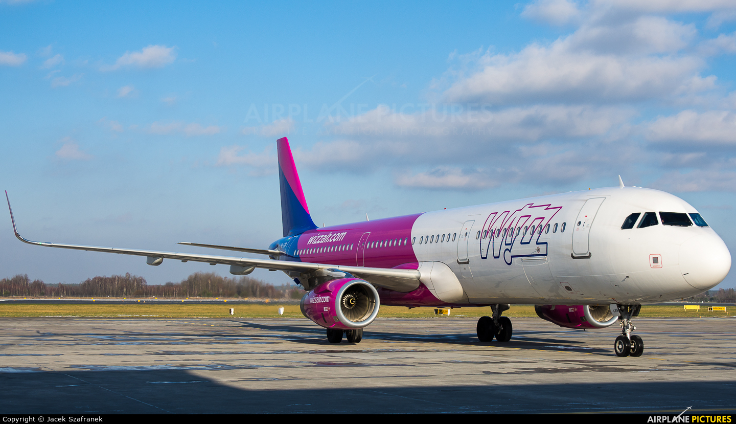 Wizz Air HA-LXR aircraft at Katowice - Pyrzowice