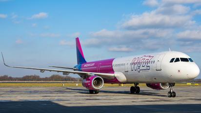 HA-LXR - Wizz Air Airbus A321