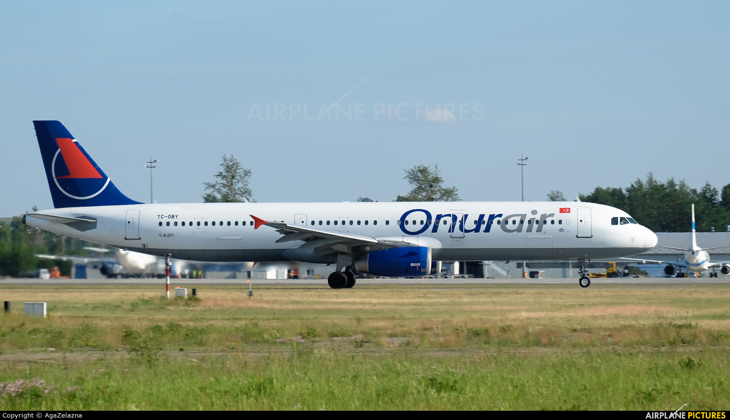 Onur Air TC-OBY aircraft at Katowice - Pyrzowice