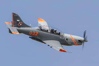 "032 - Poland - Air Force ""Orlik Acrobatic Group"" PZL 130 Orlik TC-1 / 2"