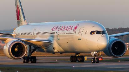 C-FGHZ - Air Canada Boeing 787-9 Dreamliner