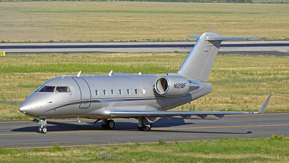 N1218F -  Bombardier CL-600-2B16 Challenger 604