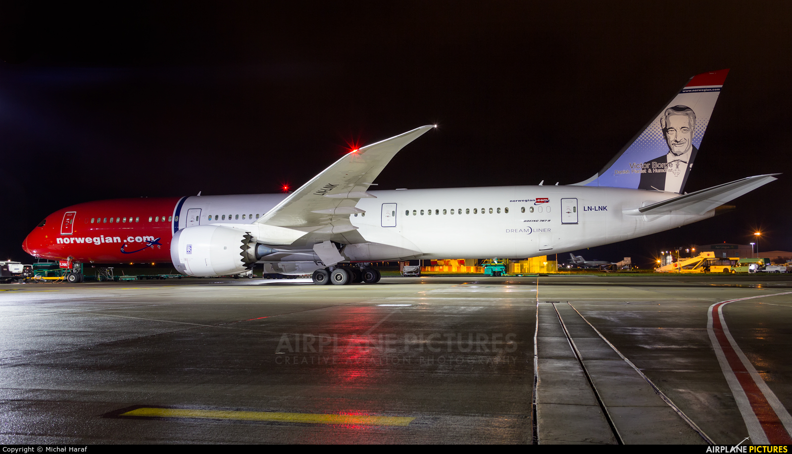 Norwegian Air International LN-LNK aircraft at Dublin
