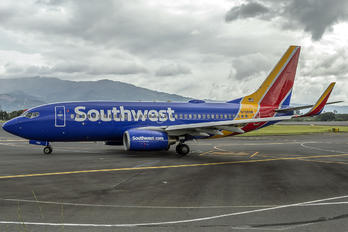 N728SW - Southwest Airlines Boeing 737-700