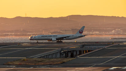 JA8978 - JAL - Japan Airlines - Airport Overview - Runway, Taxiway
