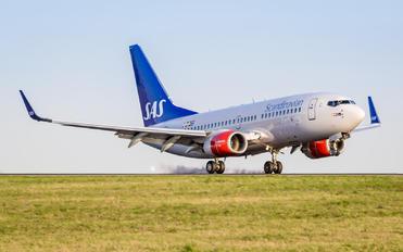 SE-RJT - SAS - Scandinavian Airlines Boeing 737-700