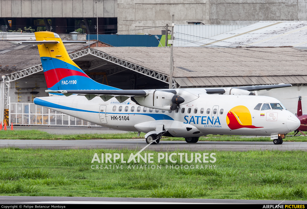 Satena HK-5104 aircraft at Medellin - Olaya Herrera