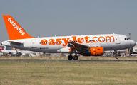 G-EZAV - easyJet Airbus A319 aircraft