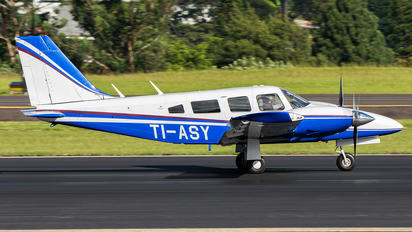 TI-ASY - Private Piper PA-34 Seneca