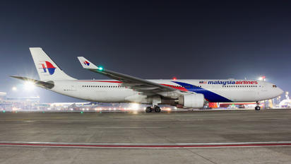 9M-MTA - Malaysia Airlines Airbus A330-300