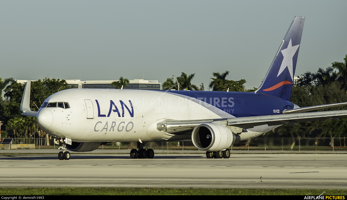 LAN Airlines CC-CCZ aircraft at Miami Intl