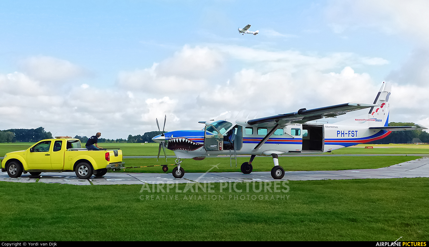 Private PH-FST aircraft at Deventer - Teuge