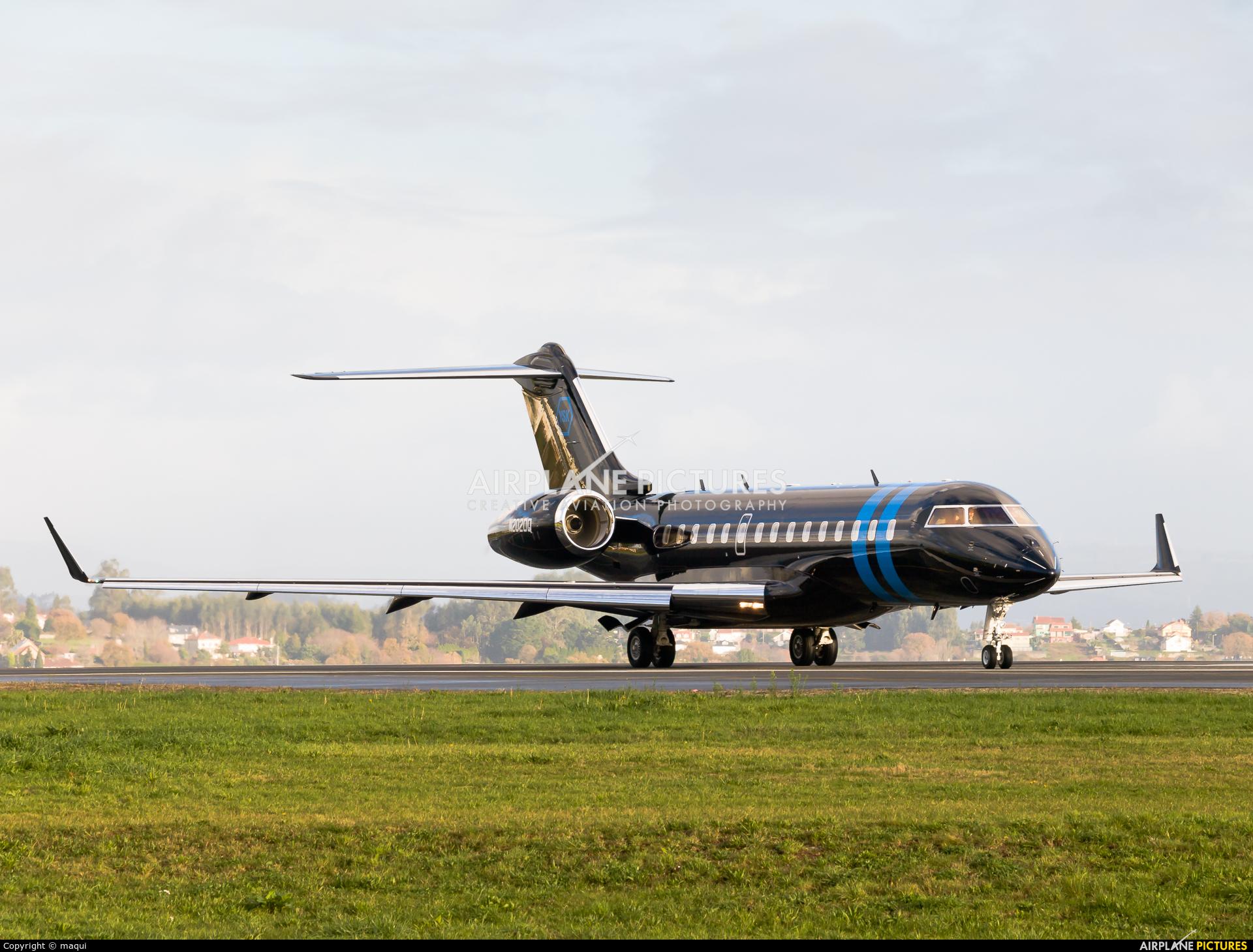 Private N2020Q aircraft at La Coruña
