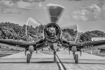 N72328 - Private Vought F4U Corsair