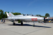 9233 - Poland - Air Force Mikoyan-Gurevich MiG-21UM aircraft