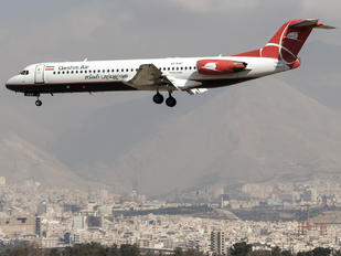 EP-FQF - Qeshm Airlines Fokker 100