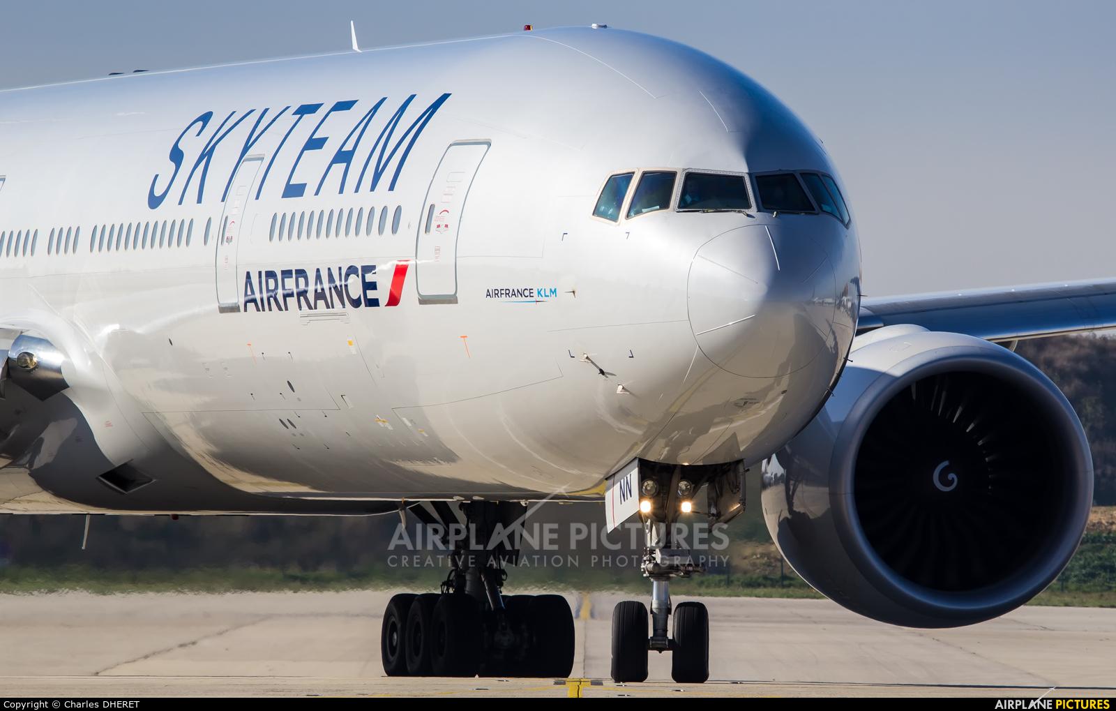 Air France F-GZNN aircraft at Paris - Charles de Gaulle