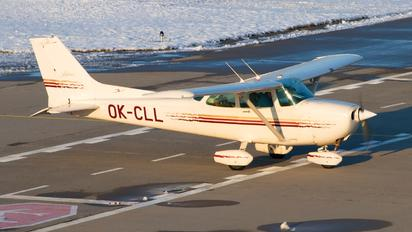 OK-CLL - Elmontex Air Cessna 172 Skyhawk (all models except RG)