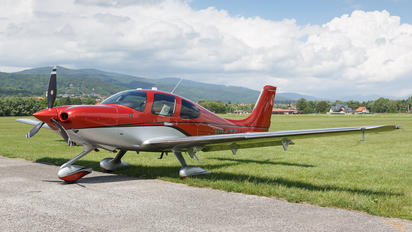 N247EU - Private Cirrus SR22