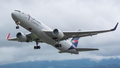 N532LA - 19th Hole Boeing 767-300F