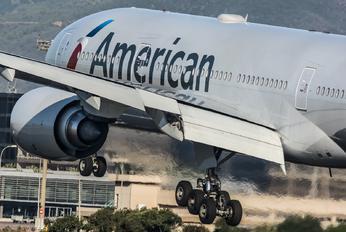 N757AN - American Airlines Boeing 777-200ER