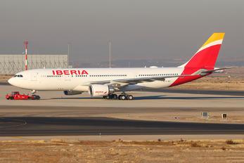 EC-MSY - Iberia Airbus A330-200
