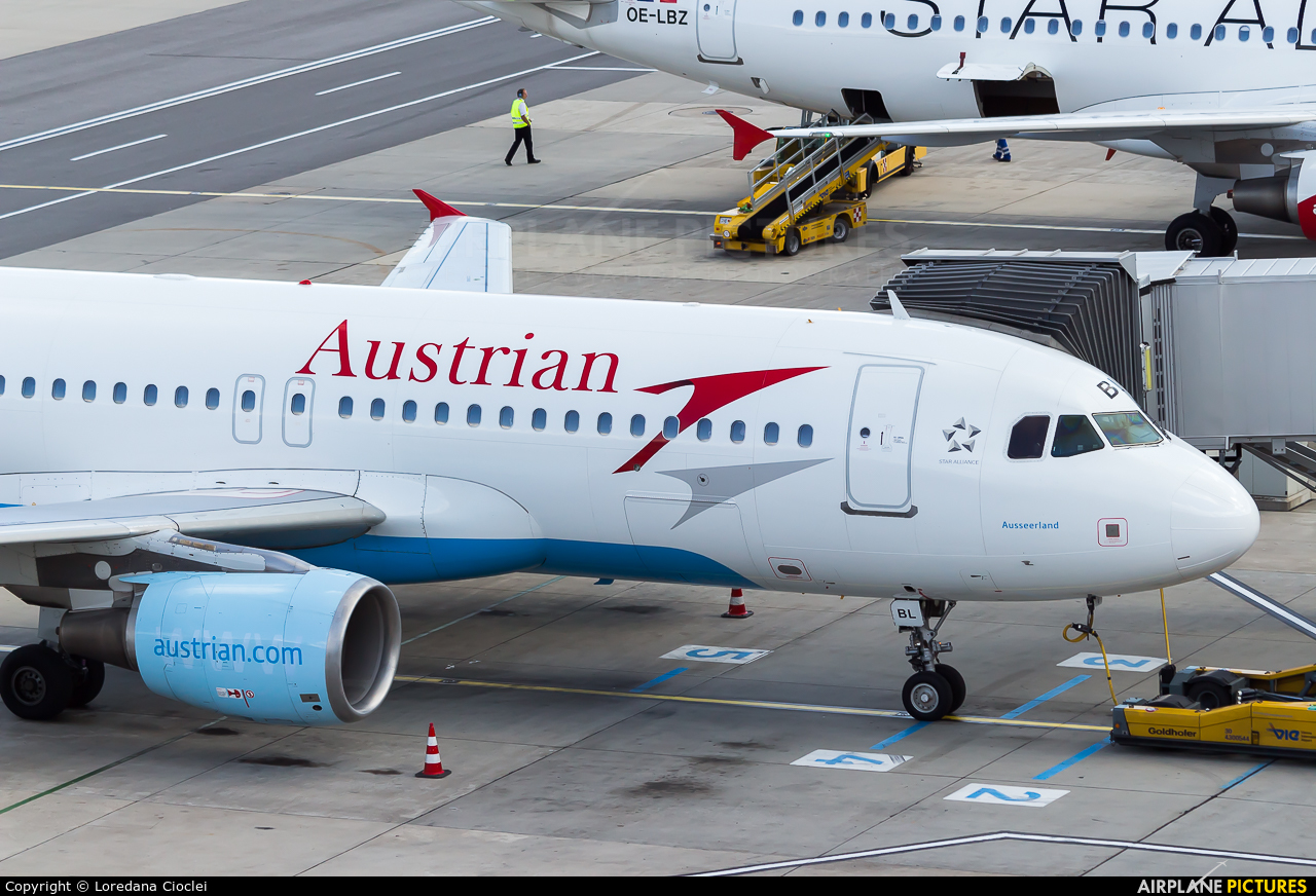 Austrian Airlines/Arrows/Tyrolean OE-LBL aircraft at Vienna - Schwechat
