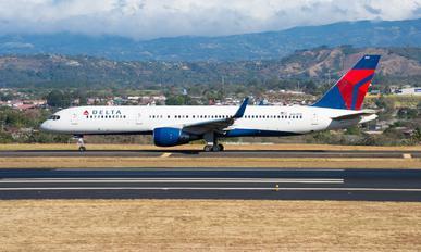 N669DN - Delta Air Lines Boeing 757-200