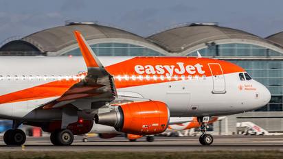 G-EZRG - easyJet Airbus A320