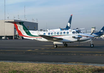 XC-LOB - Mexico - Air Force Beechcraft 300 King Air 350