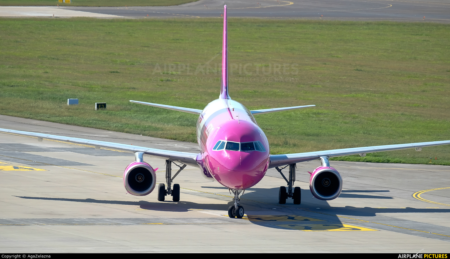 Wizz Air HA-LPL aircraft at Katowice - Pyrzowice
