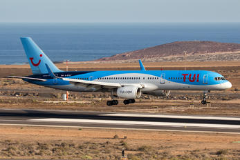 G-BYAY - TUI Airlines UK Boeing 757-200