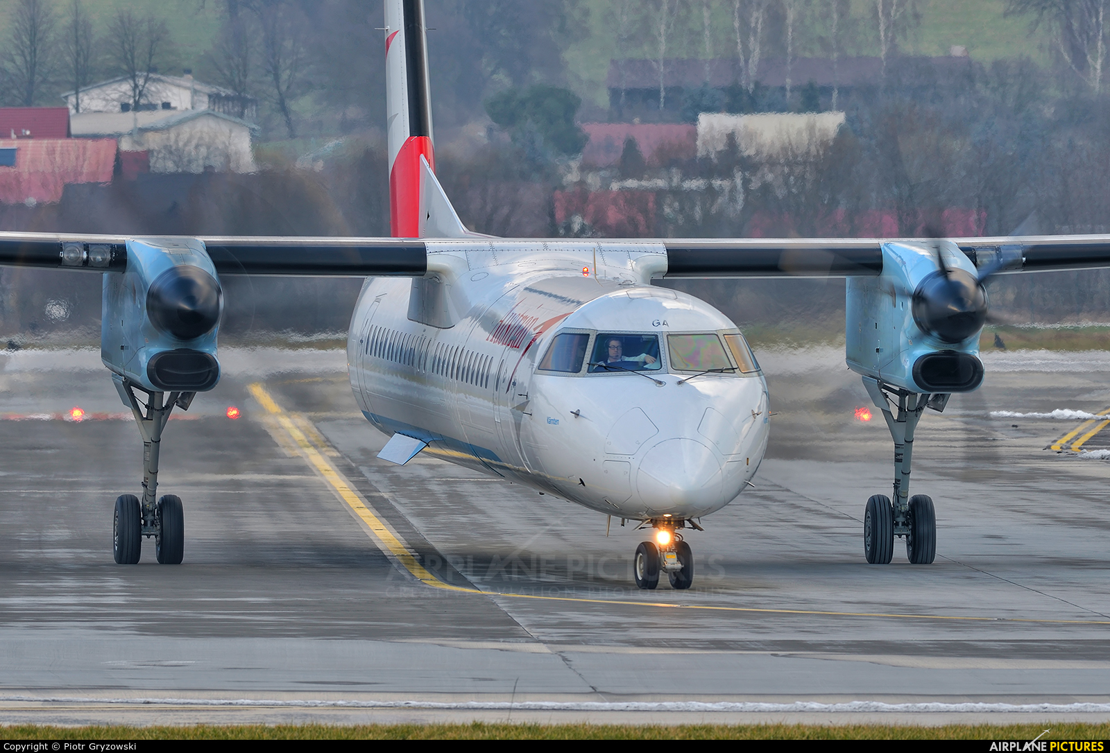 Austrian Airlines/Arrows/Tyrolean OE-LGA aircraft at Kraków - John Paul II Intl