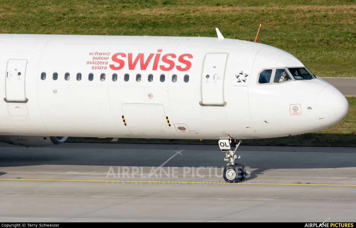 Swiss HB-IOL aircraft at Zurich