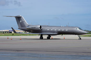 N352BH - Private Gulfstream Aerospace G-IV,  G-IV-SP, G-IV-X, G300, G350, G400, G450