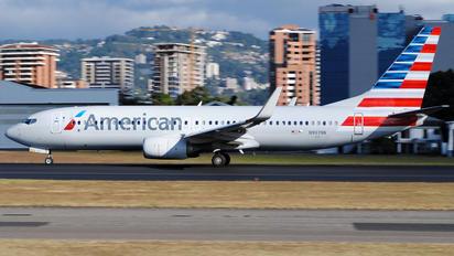 N907NN - American Airlines Boeing 737-800